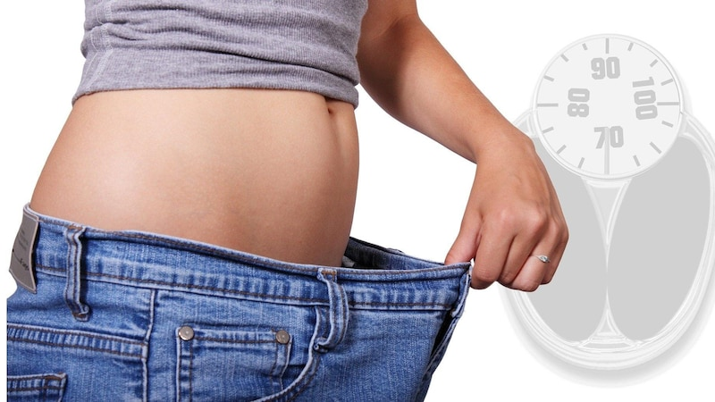Glucosamin kann Sie beim Abnehmen unterstützen.