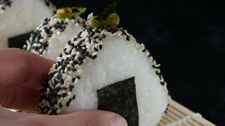 Onigiri: Japanische Reisbällchen selber machen