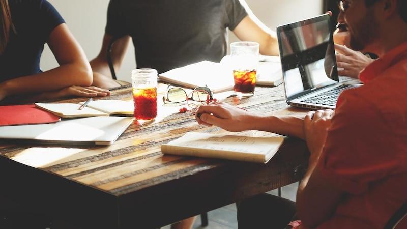 Mitarbeiter einstellen: Das sind die wichtigsten Pflichten und Formalitäten