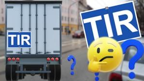 Manchmal ist es durchgestrichen: Das bedeutet das TIR-Kennzeichen an LKWs