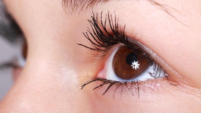 Eyeliner: So kaschieren Sie Schlupflider