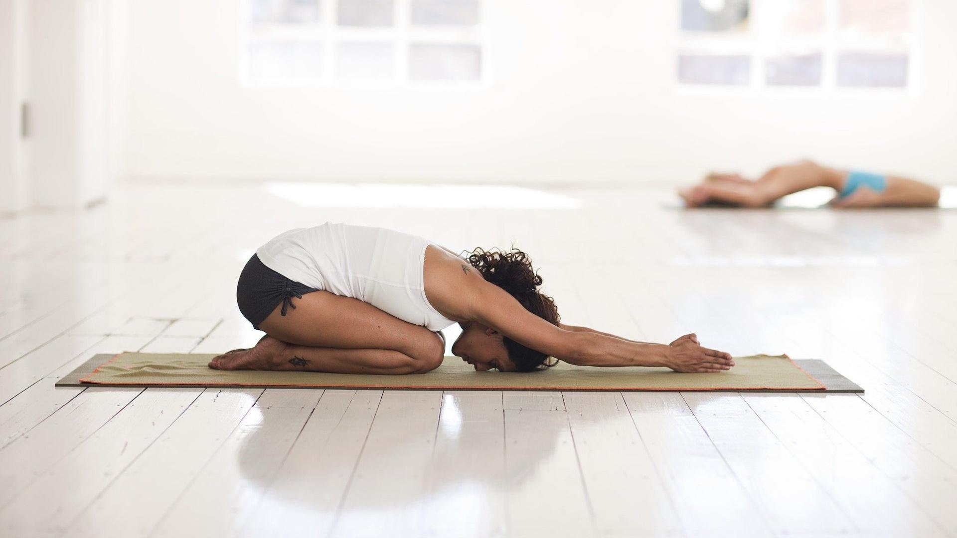 Mit den richtigen Übungen fördern Sie die Regeneration Ihres Körpers nach dem Sport.