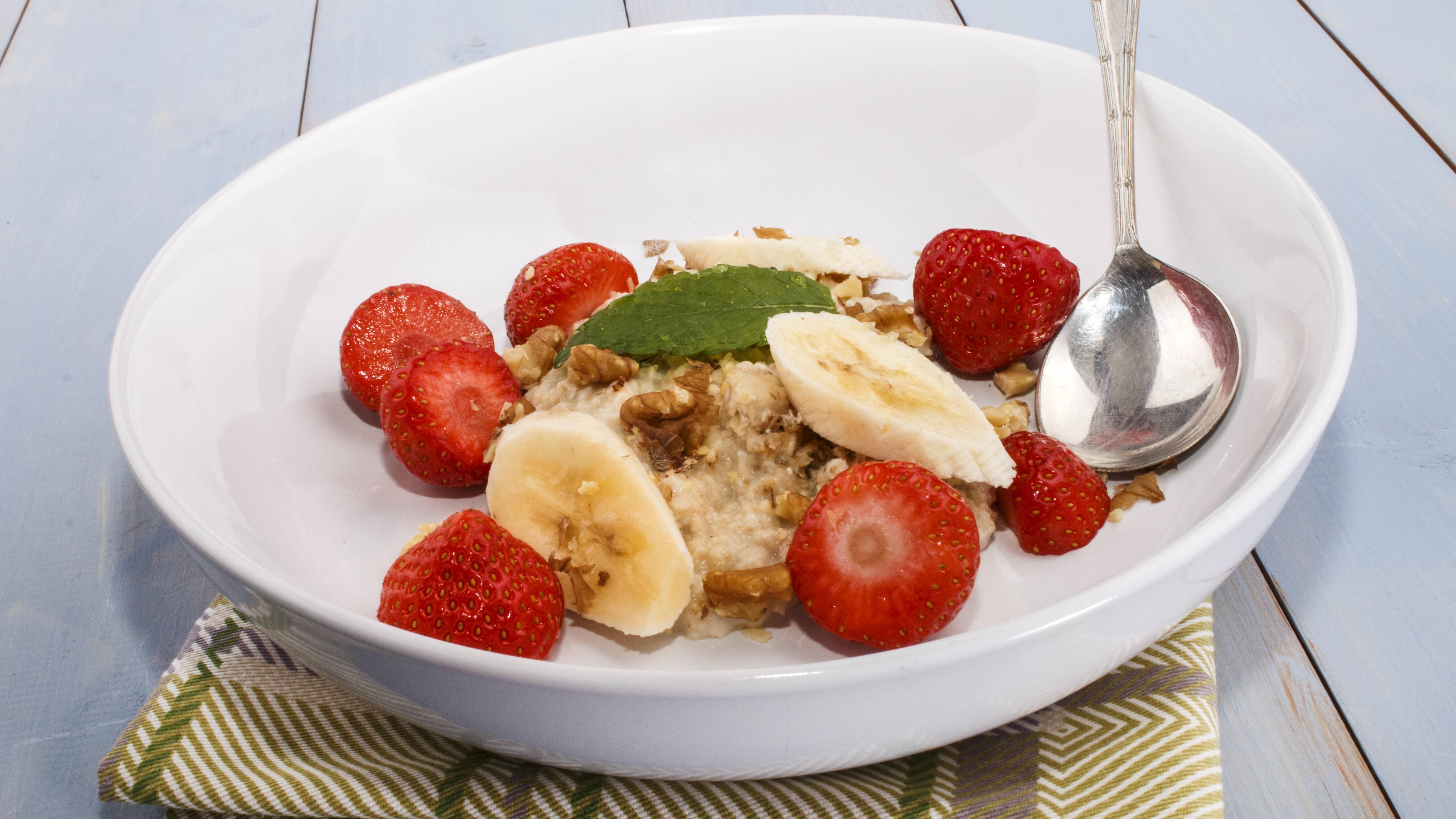 Die richtige Ernährung auf die Sprünge helfen, wenn Sie früh aufstehen.