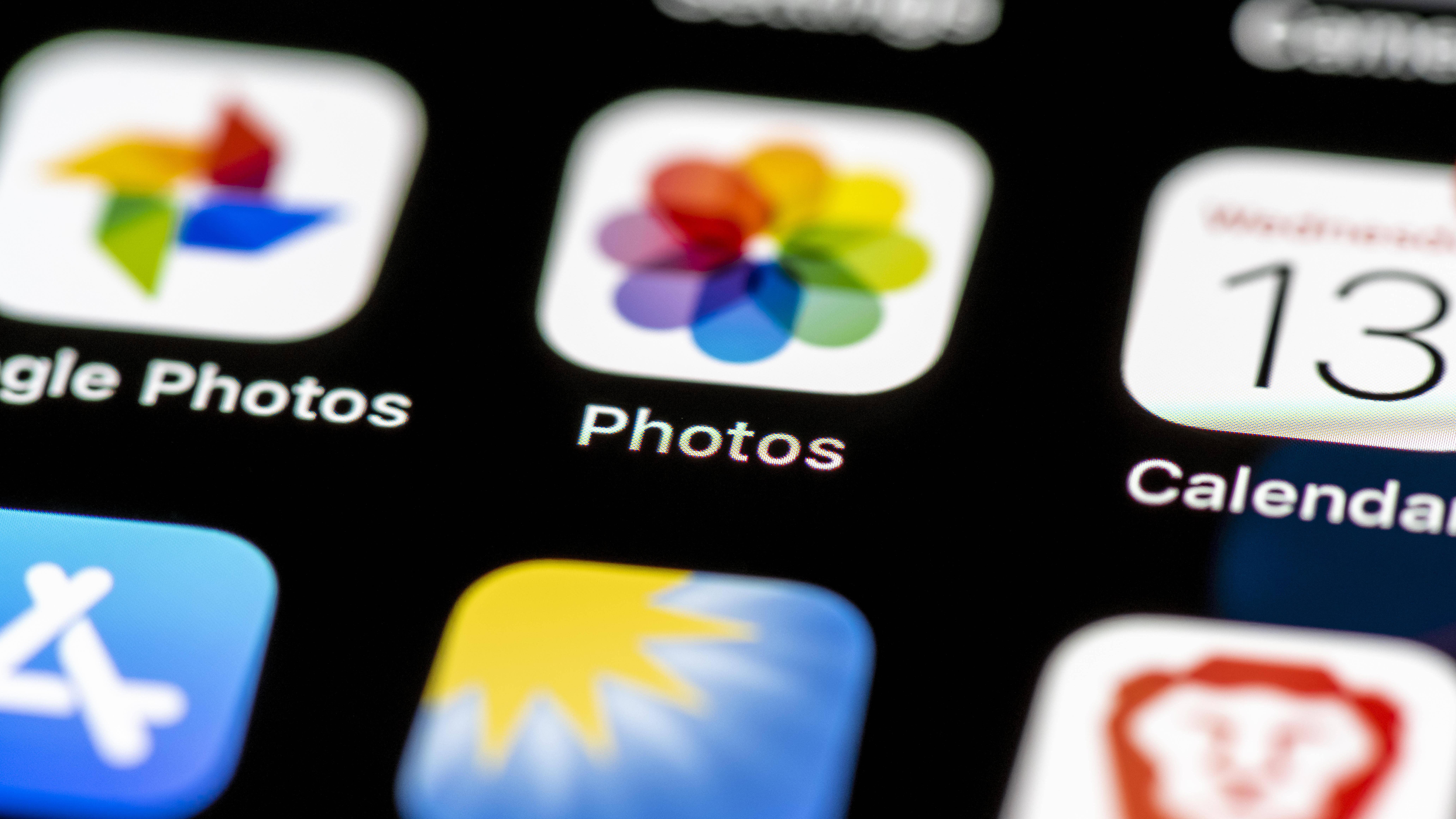 Fotos auf dem iPhone lassen sich nach Datum, Name und Größe sortieren.