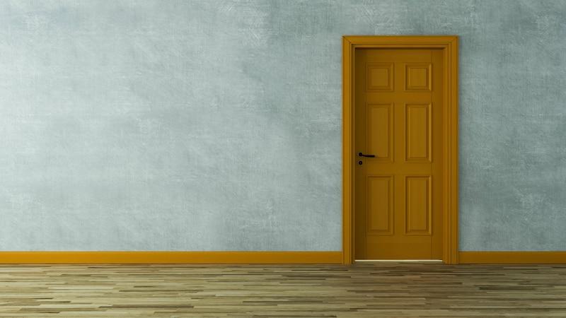 Tür tapezieren: Anleitung und Tricks zum Nachmachen