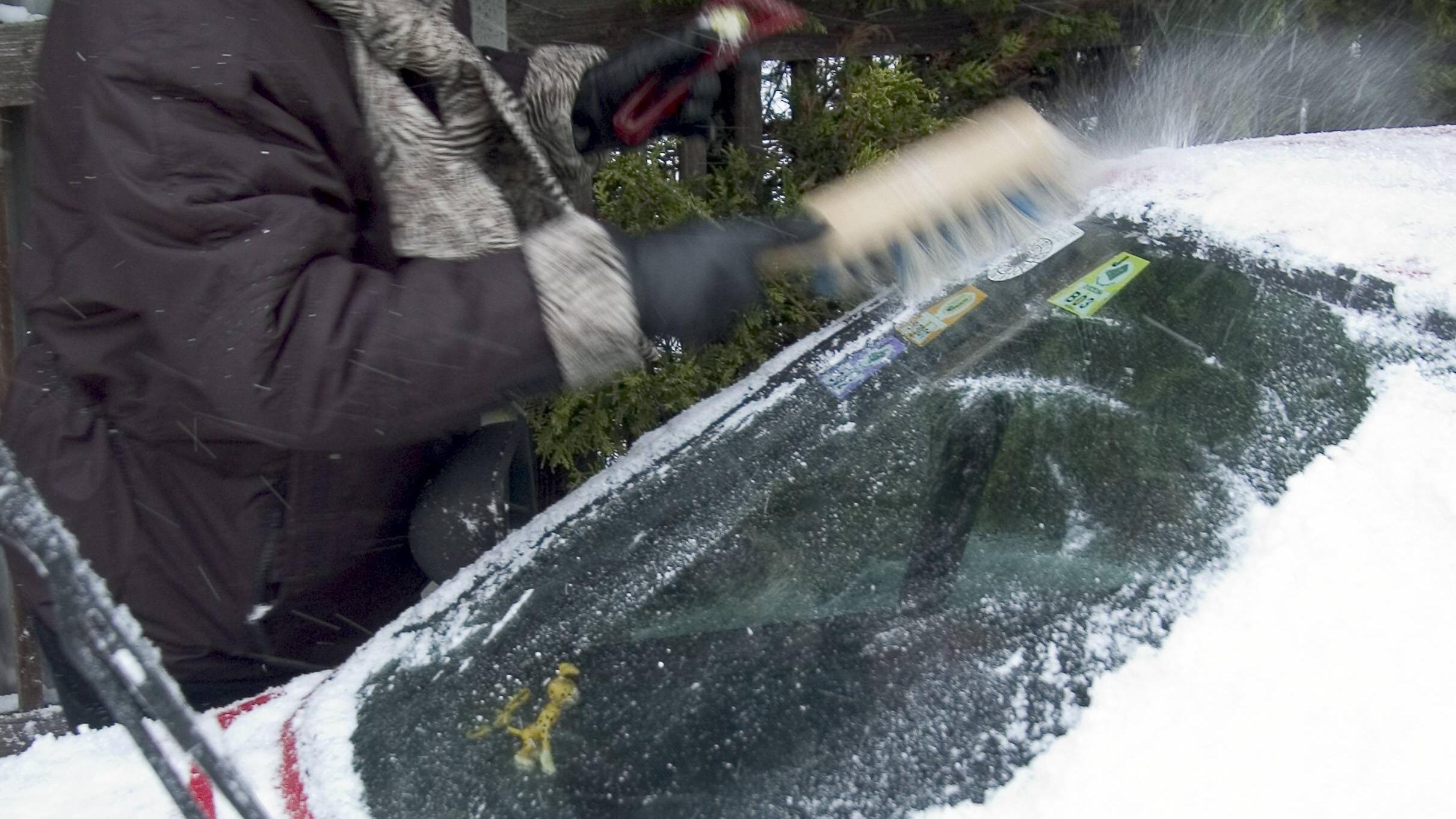 Schutzhülle fürs Auto: Nie mehr Scheiben freikratzen