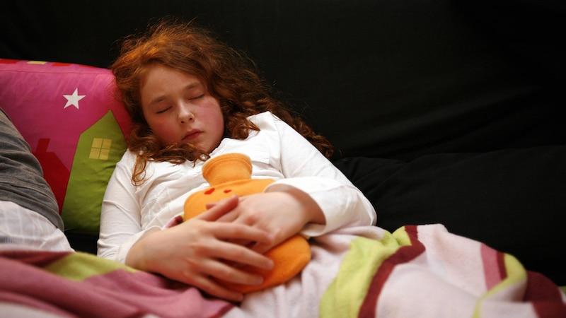 Lässt sich das Erbrechen bei Kindern nicht stoppen, sollten Sie einen Kinderarzt aufsuchen.