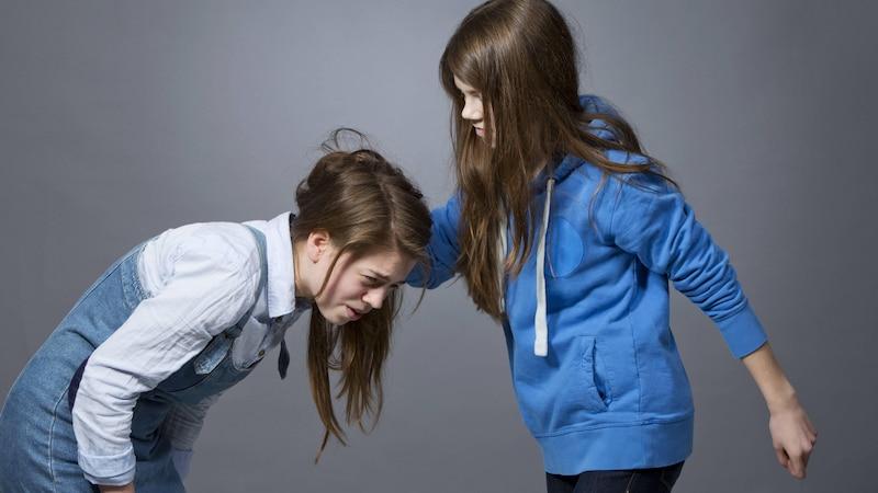 Kind schlägt andere Kinder: Das können Eltern tun