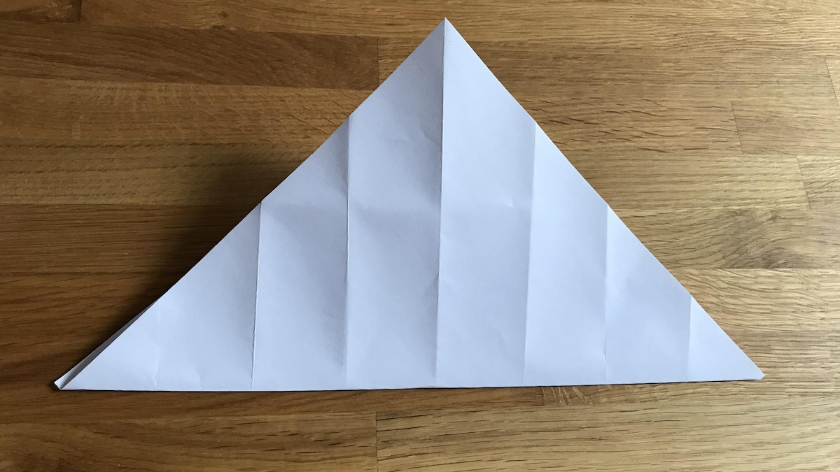Wiederholen Sie alle Schritte mit den anderen beiden Schachtel-Ecken.