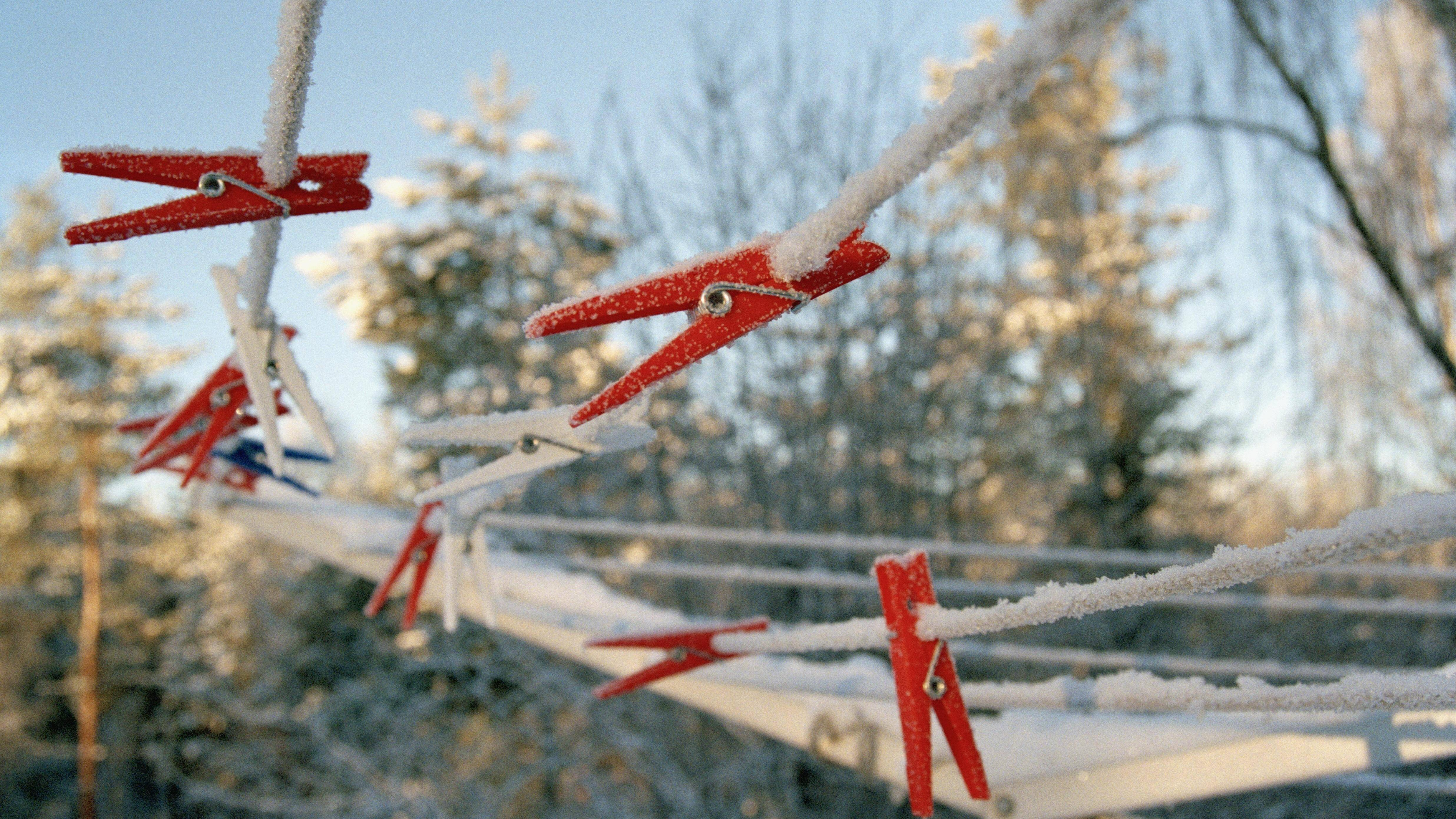 Wäsche im Winter draußen trocknen: Deshalb sollten Sie das tun