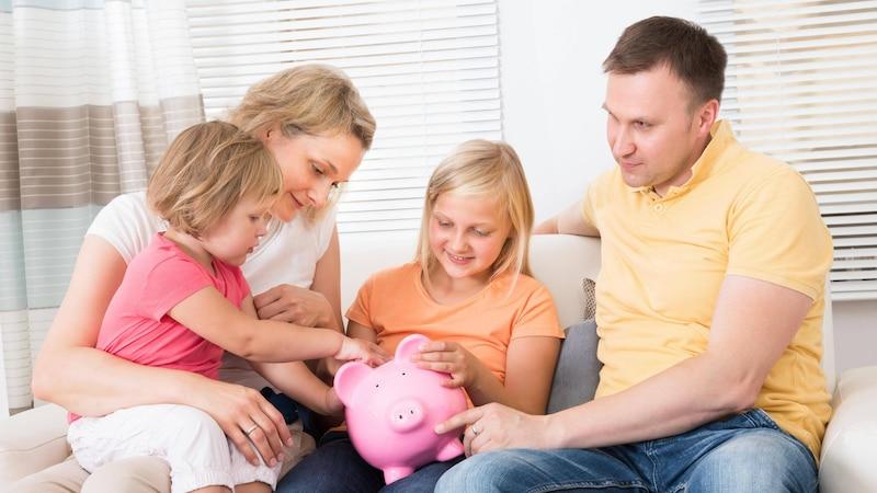 Umgang mit Geld lernen: So bringen Sie es Kindern bei