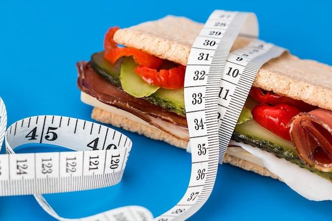 Mit der richtigen Ernährung und ausreichender Bewegung können Sie den Hungerstoffwechsel wieder ankurbeln.