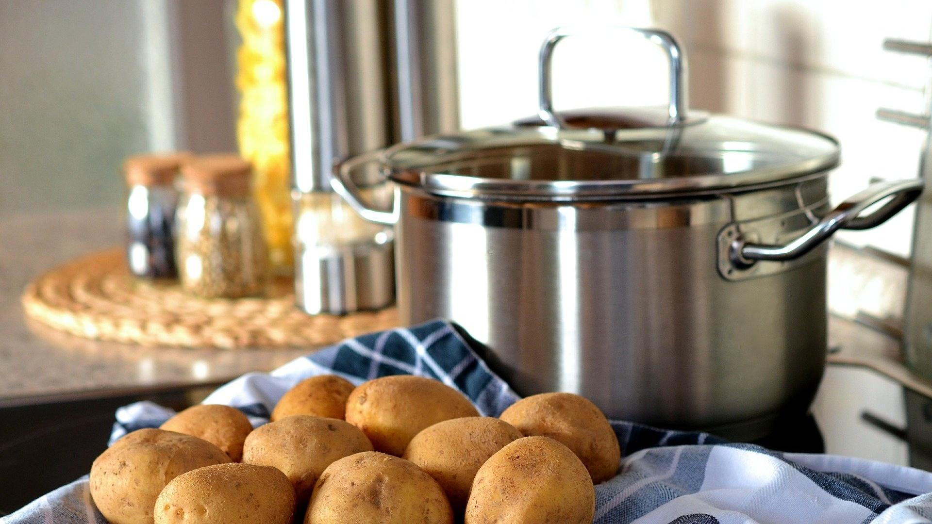 gekochte Kartoffeln Kochtopf