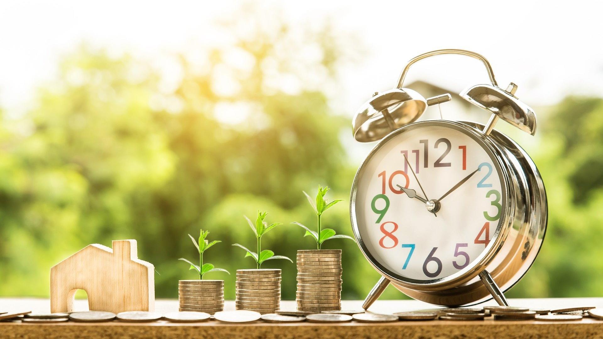 Nachfrageorientierte Wirtschaftspolitik braucht im Gegensatz zur angebotsorientierten Wirtschaftspolitik ein genaues Timing.