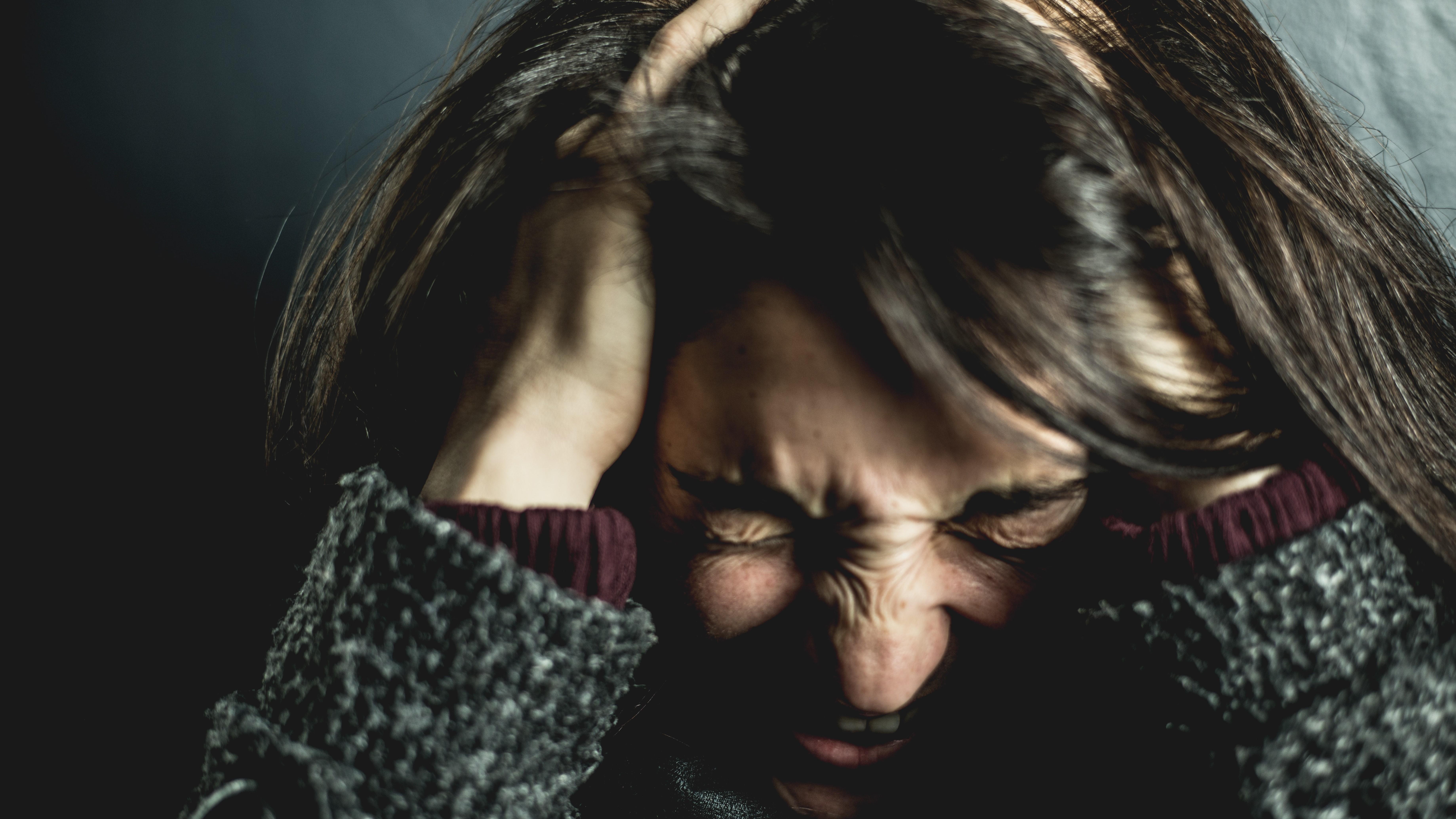 Annehmen was ist bedeutet auch, negative Emotionen und unangenehme Situationen zu akzeptieren - und sie nicht zu verdrängen.