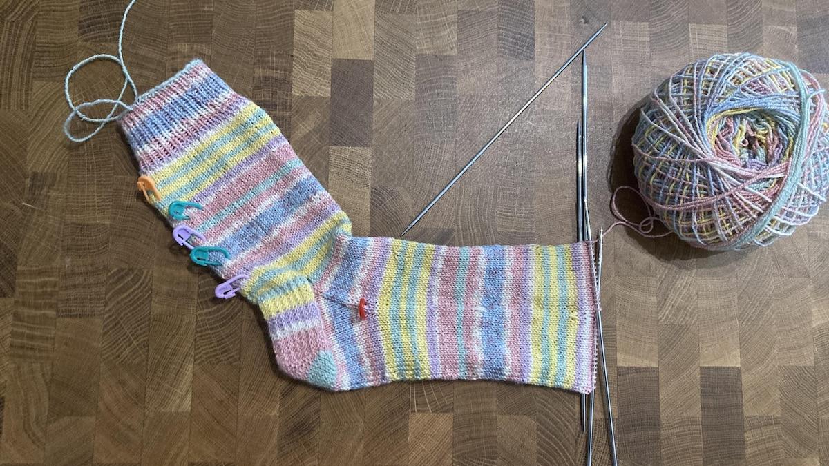 Bald ist Ihre erste Socke fertig.