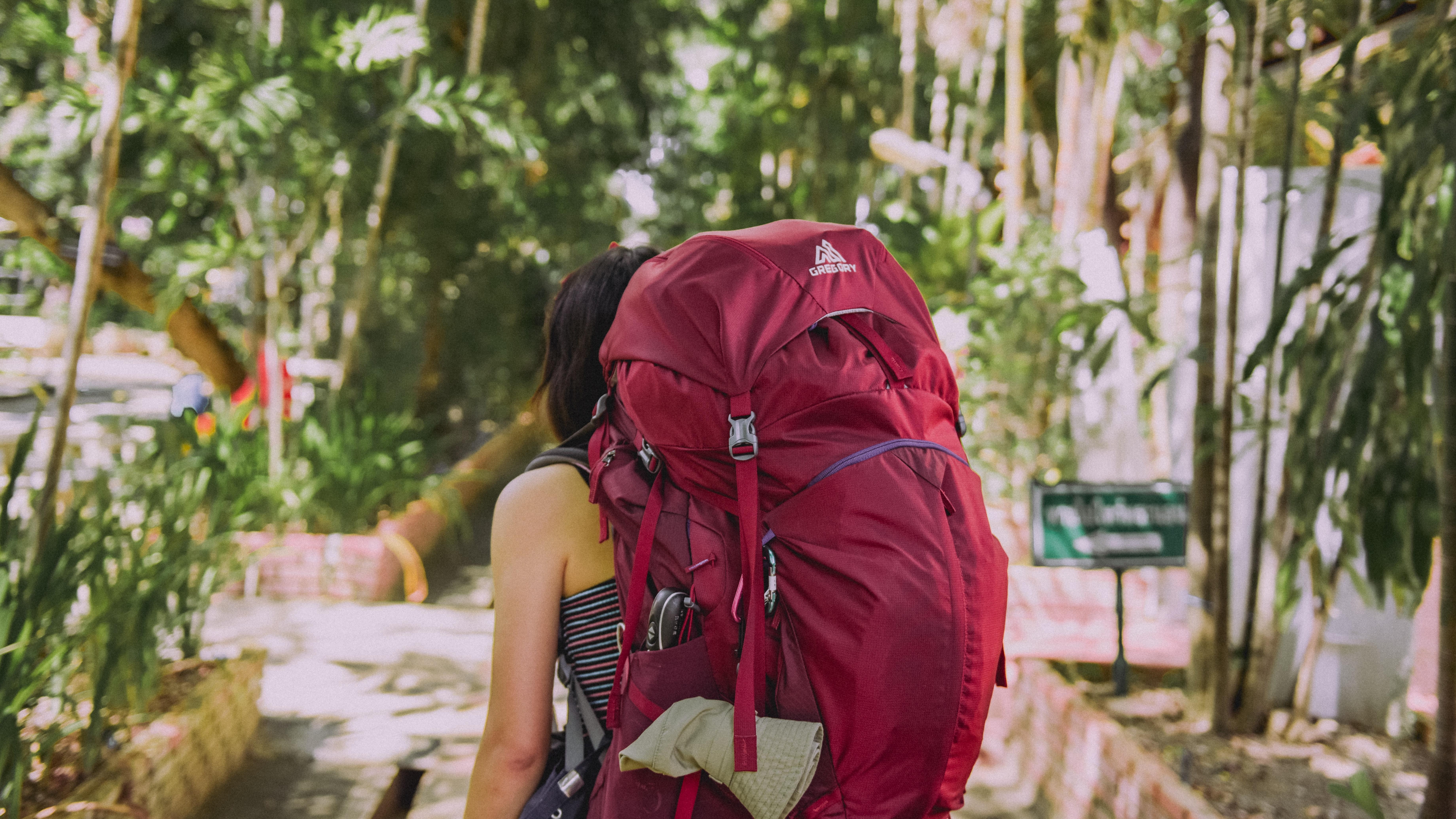 Rucksack packen unseren Tipps, und es geht leichter auf die Wanderung.