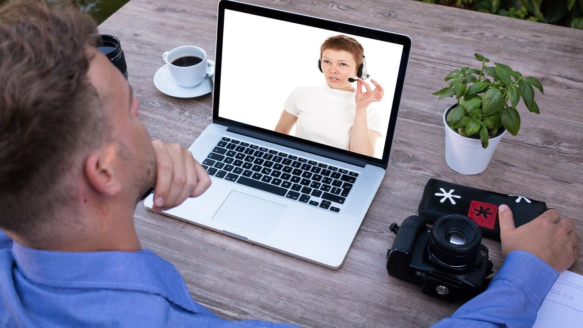 Skype ist kostenlos, wenn Sie andere Skype-Nutzer auf der ganzen Welt anrufen möchten.