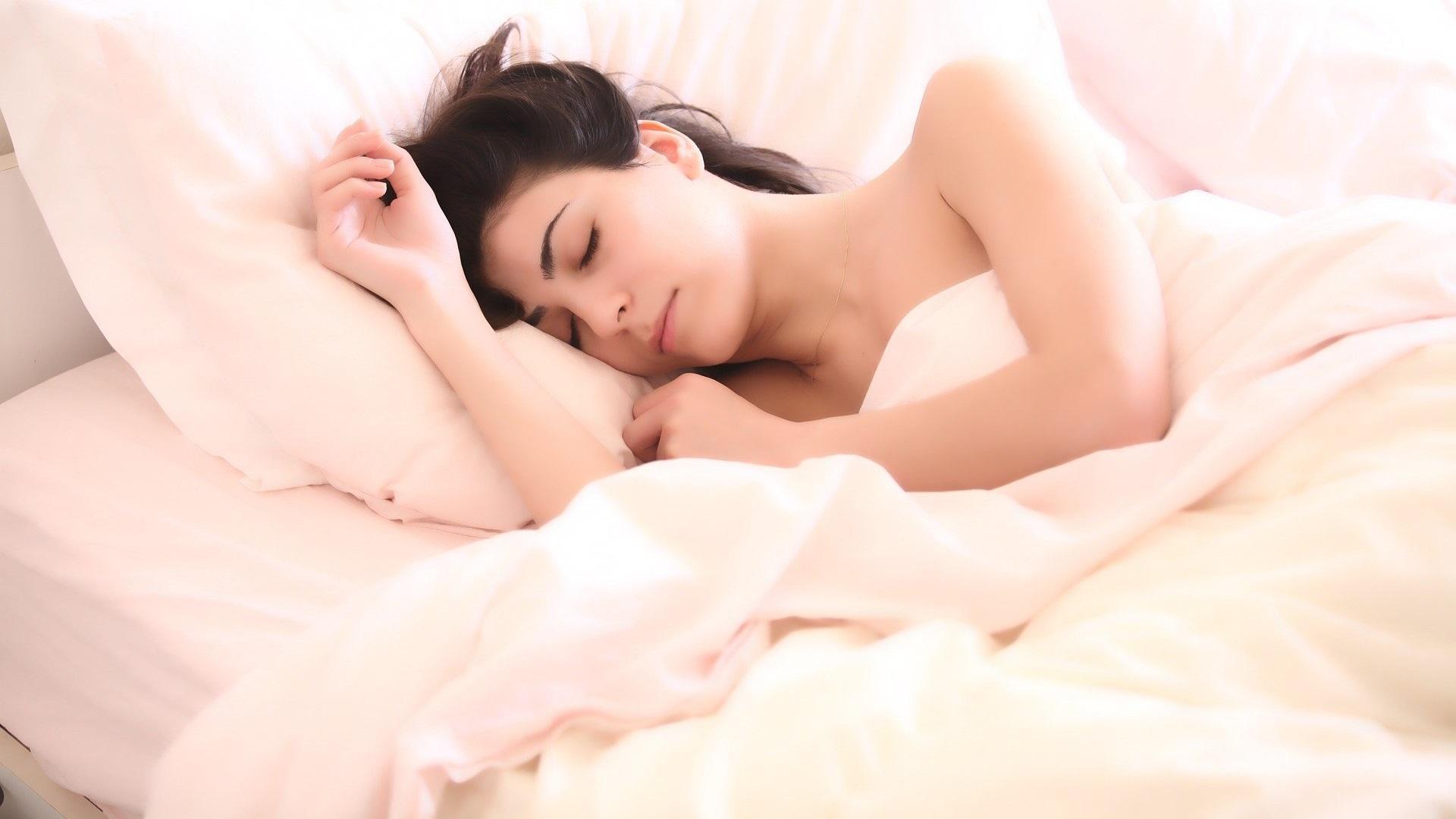 Zu viel Schlaf ist ungesund: So finden Sie Ihren Schlafbedarf heraus.