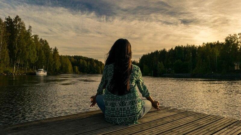 Schulterstand (Sarvangasana): So wirkt das Yoga-Asana