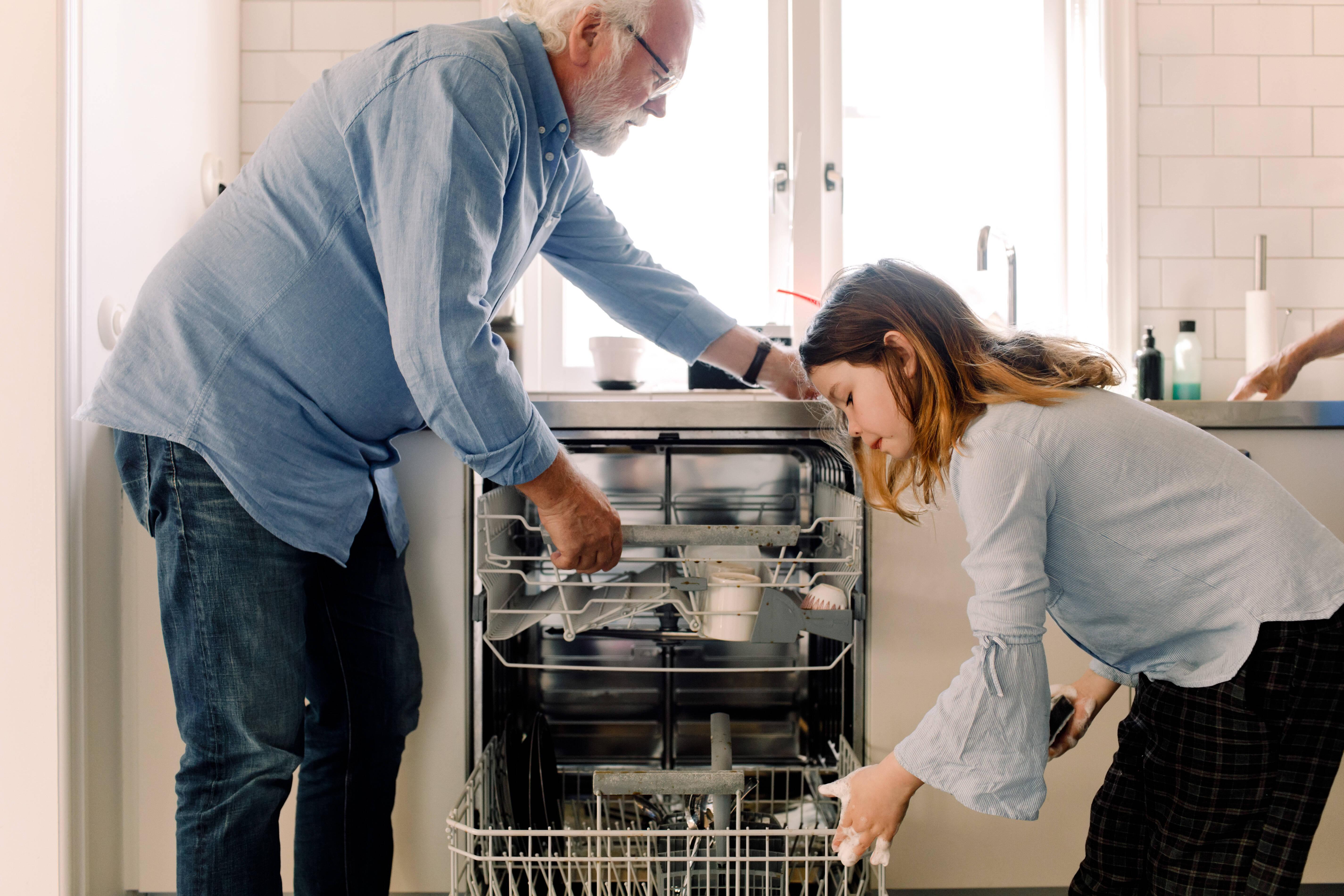 Filter in der Spülmaschine reinigen - so geht's