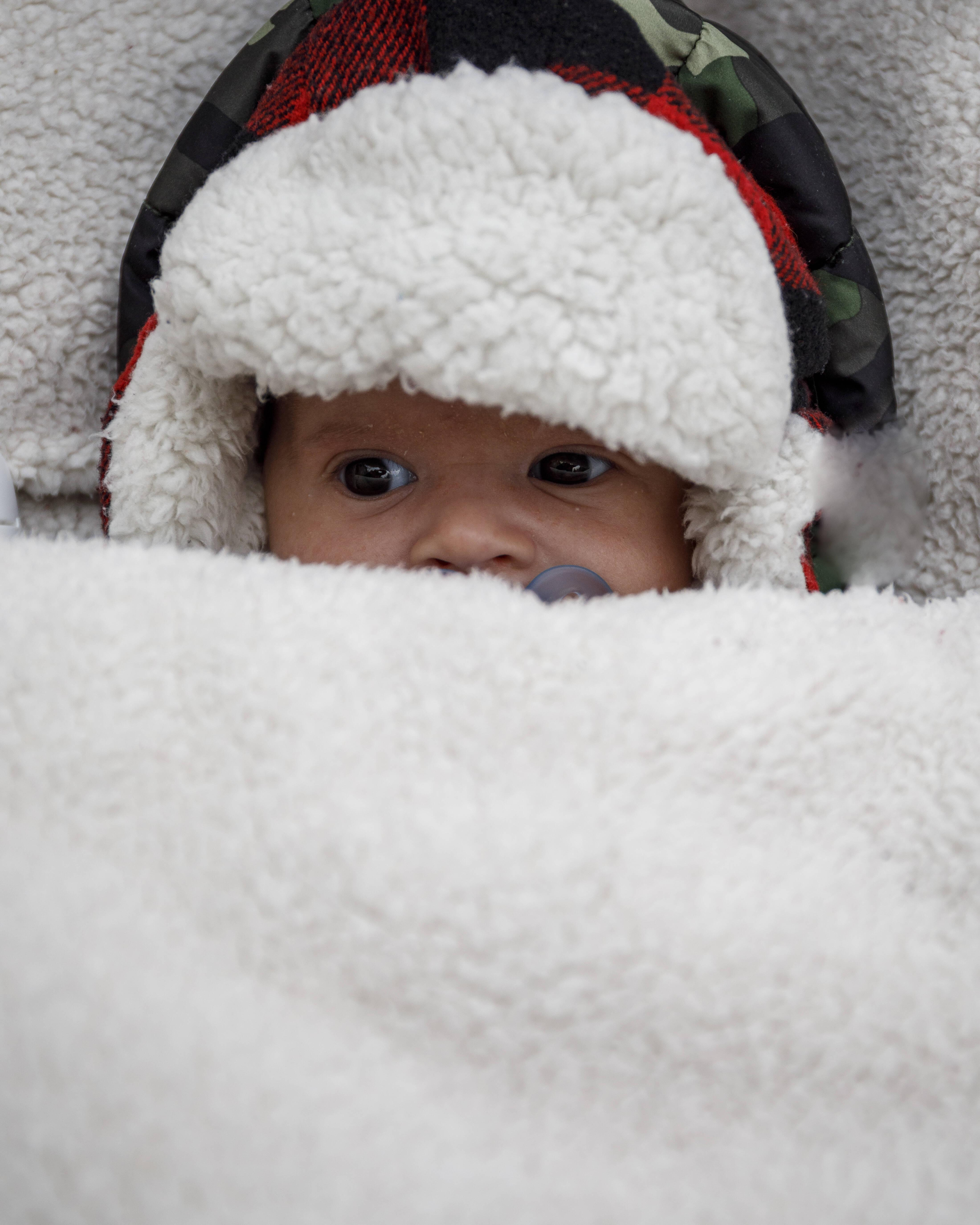 Baby hat kalte Hände - das können Sie dagegen tun!