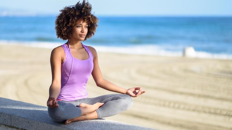 Ideen für mehr Selfcare sind sehr vielseitig. Sie gehen von Tagebuch schreiben bis Yoga.