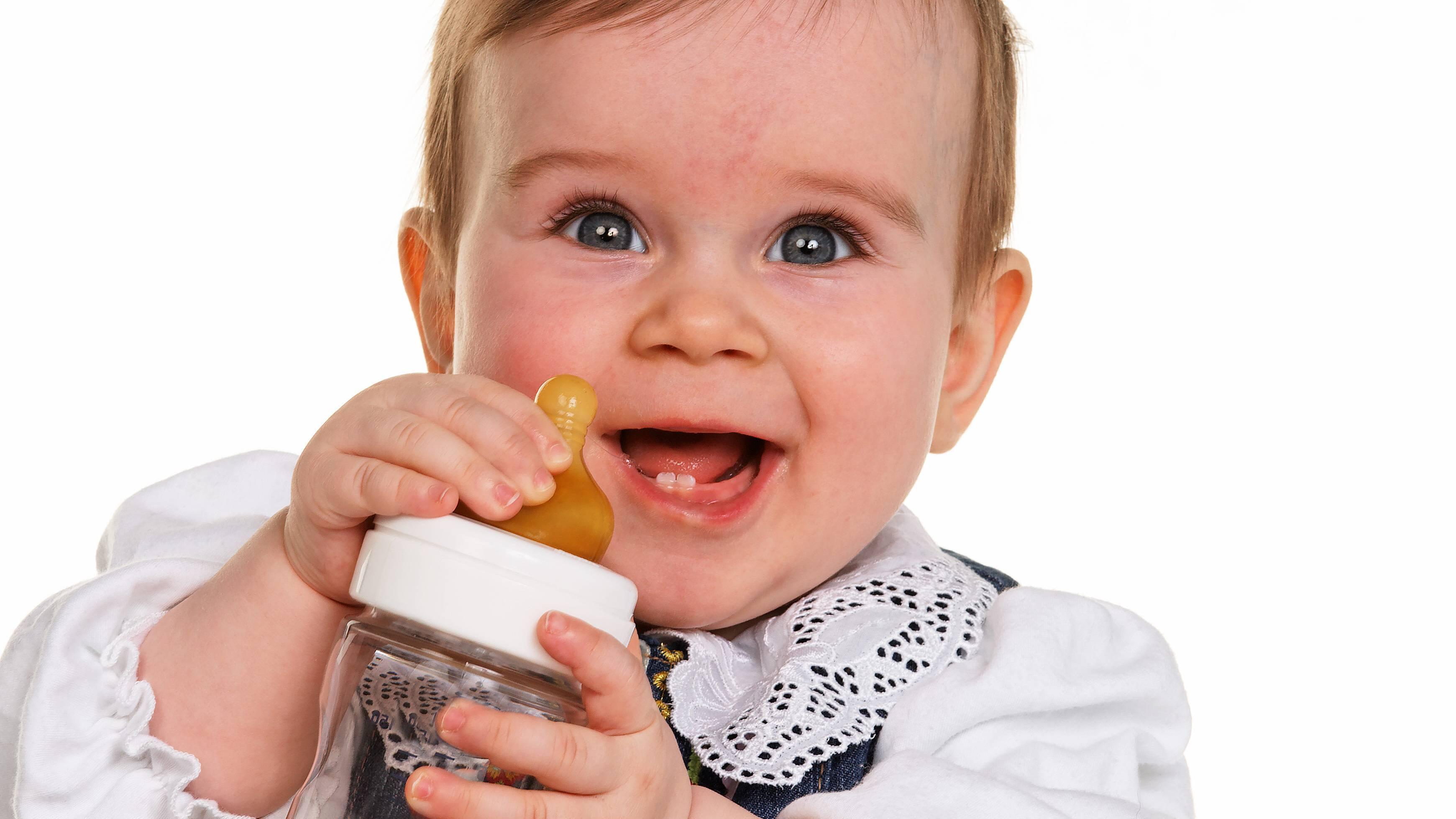 Fencheltee für Säuglinge: Ab wann ist der Tee verträglich?