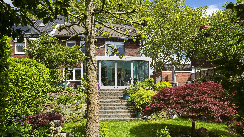 Darüber, was das Erbbaurecht ist, sollten sich Käufer einer Immobilie vor dem Kauf gut informieren.
