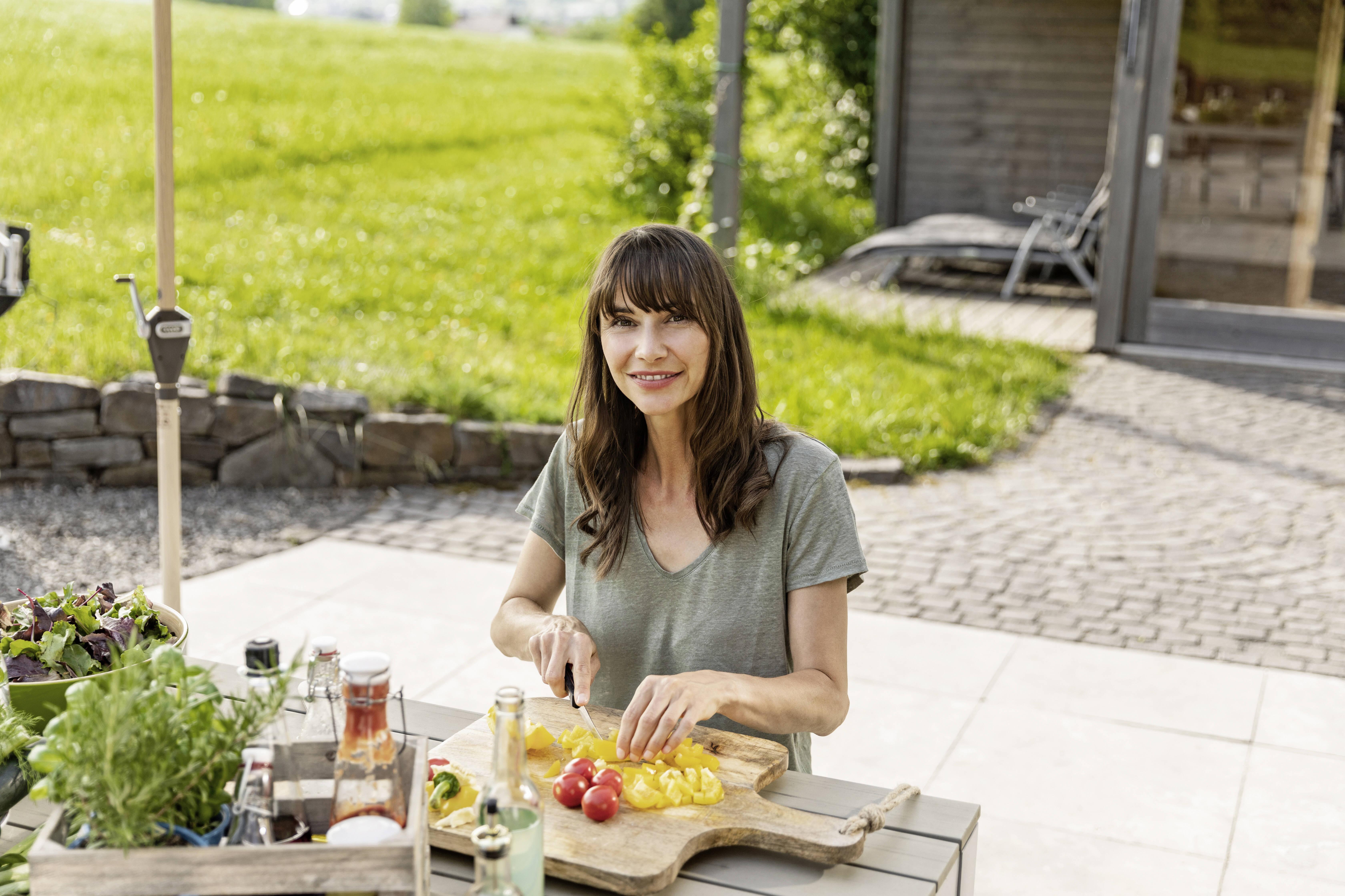 Schenken Sie Ihrem Essverhalten mehr Achtsamkeit, wenn Sie ständig Appetit haben.