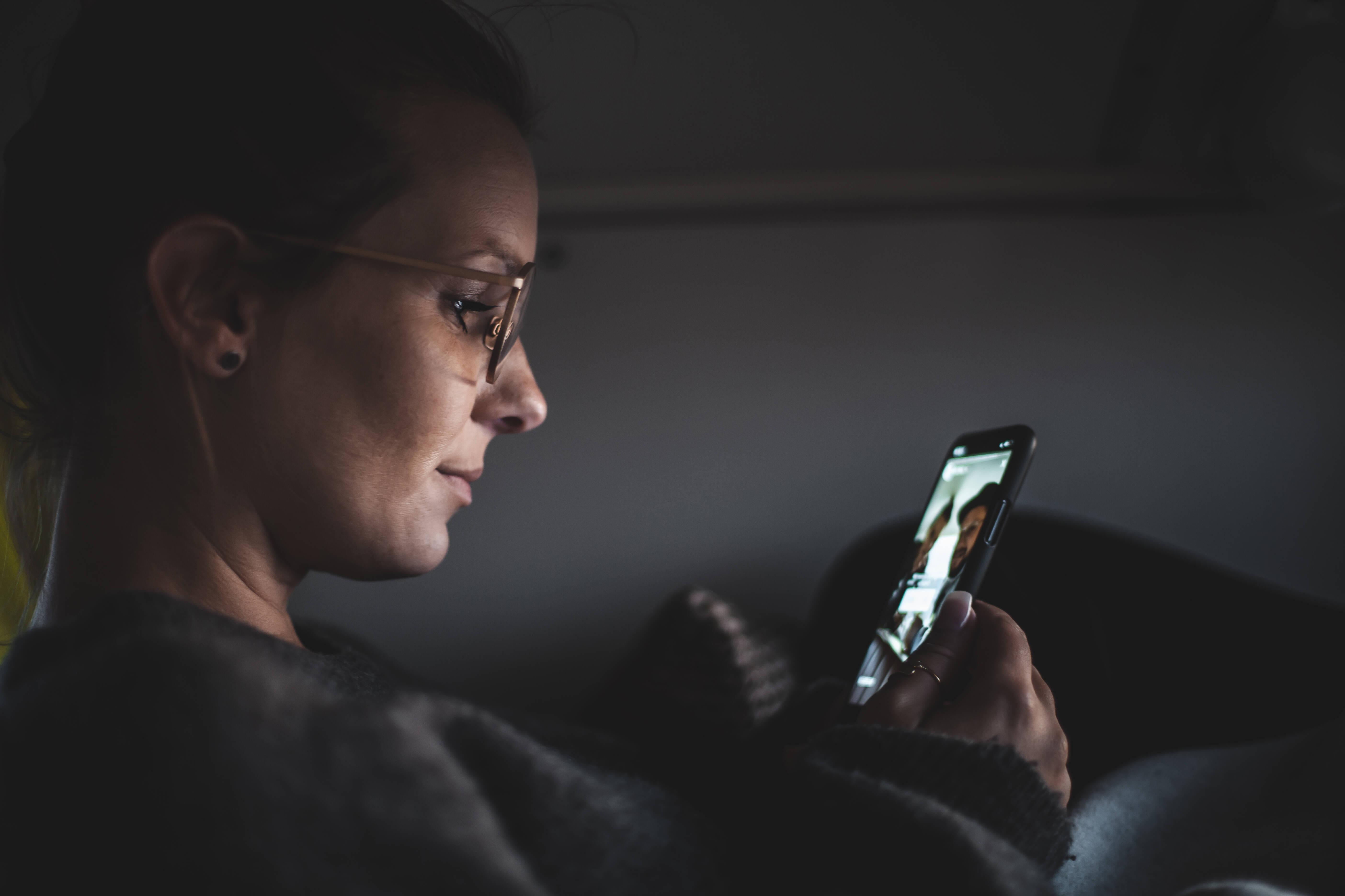 Social Media Detox heißt, bewusst für eine bestimmte Zeit auf soziale Netzwerke zu verzichten.