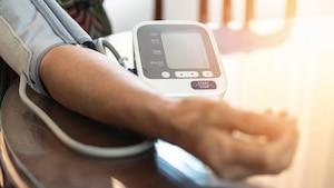 Die Blutdruckmessung zuhause nutzt der Gesundheit.