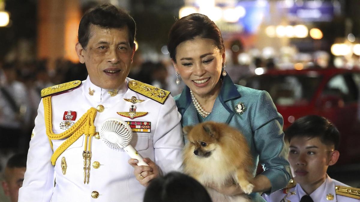 König Maha Vajiralongkorn hier mit Königin Suthida