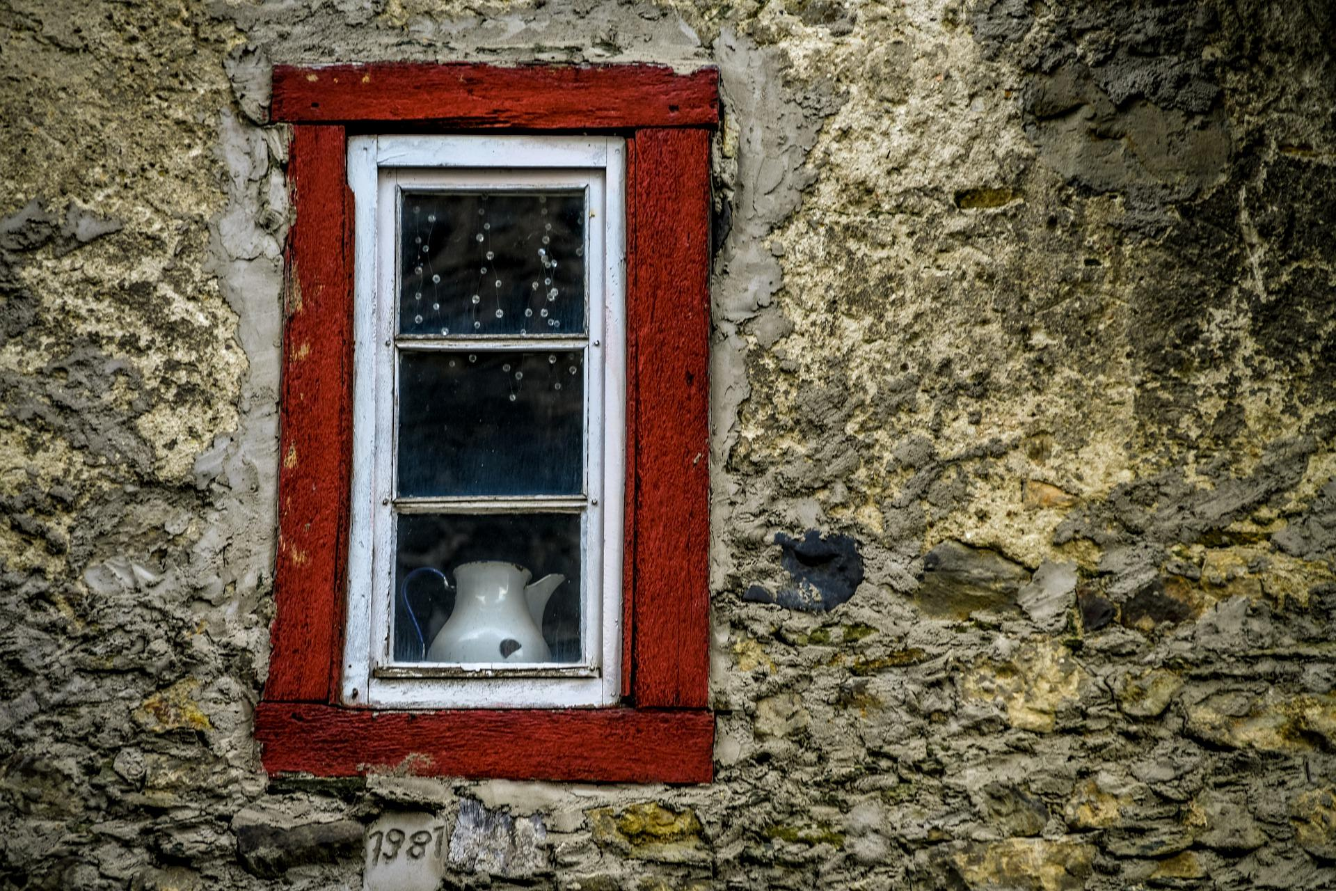 Stark verschmutzte Fenster reinigen - so geht's