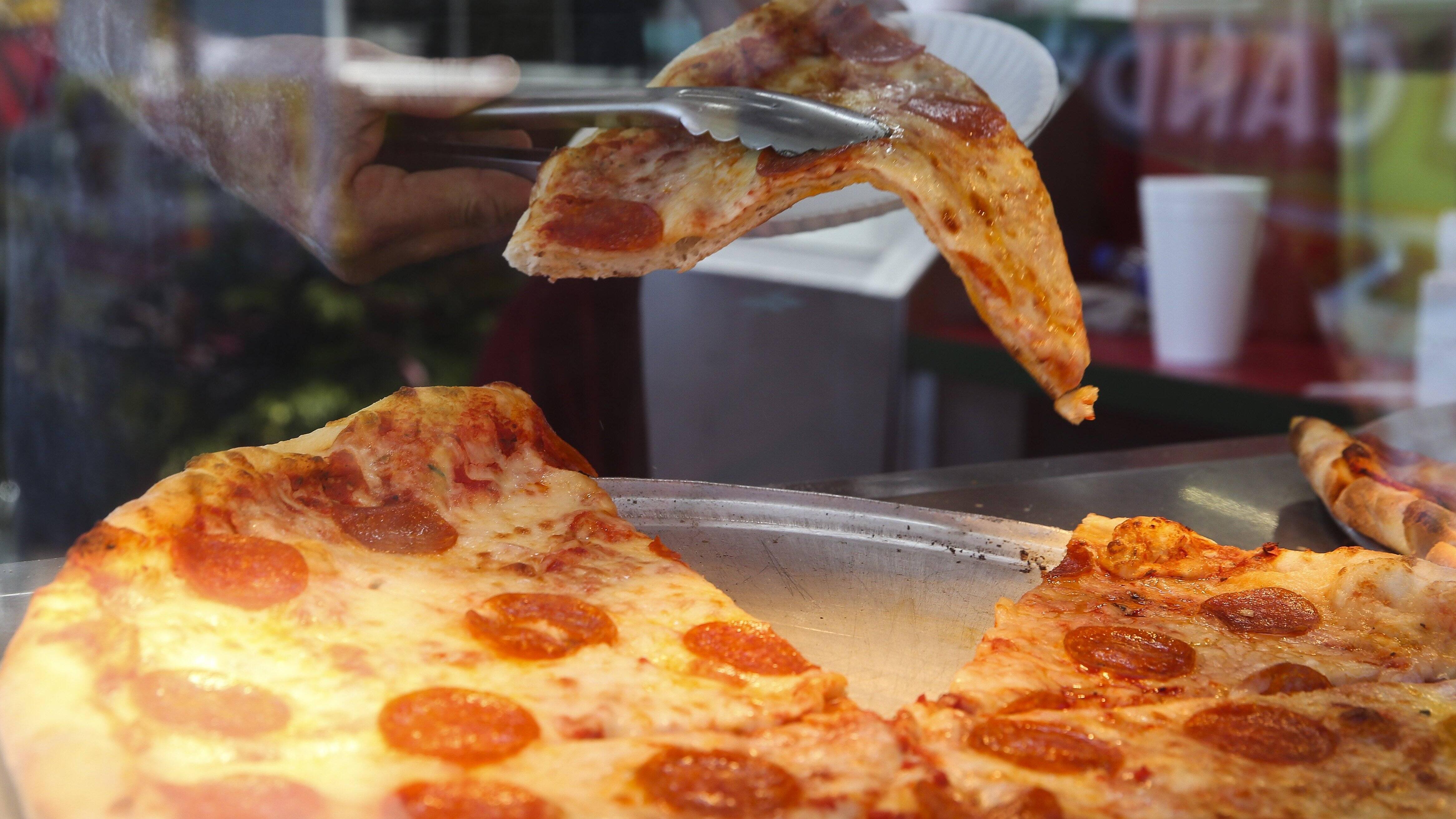 Pizzastein reinigen - so geht es ganz einfach