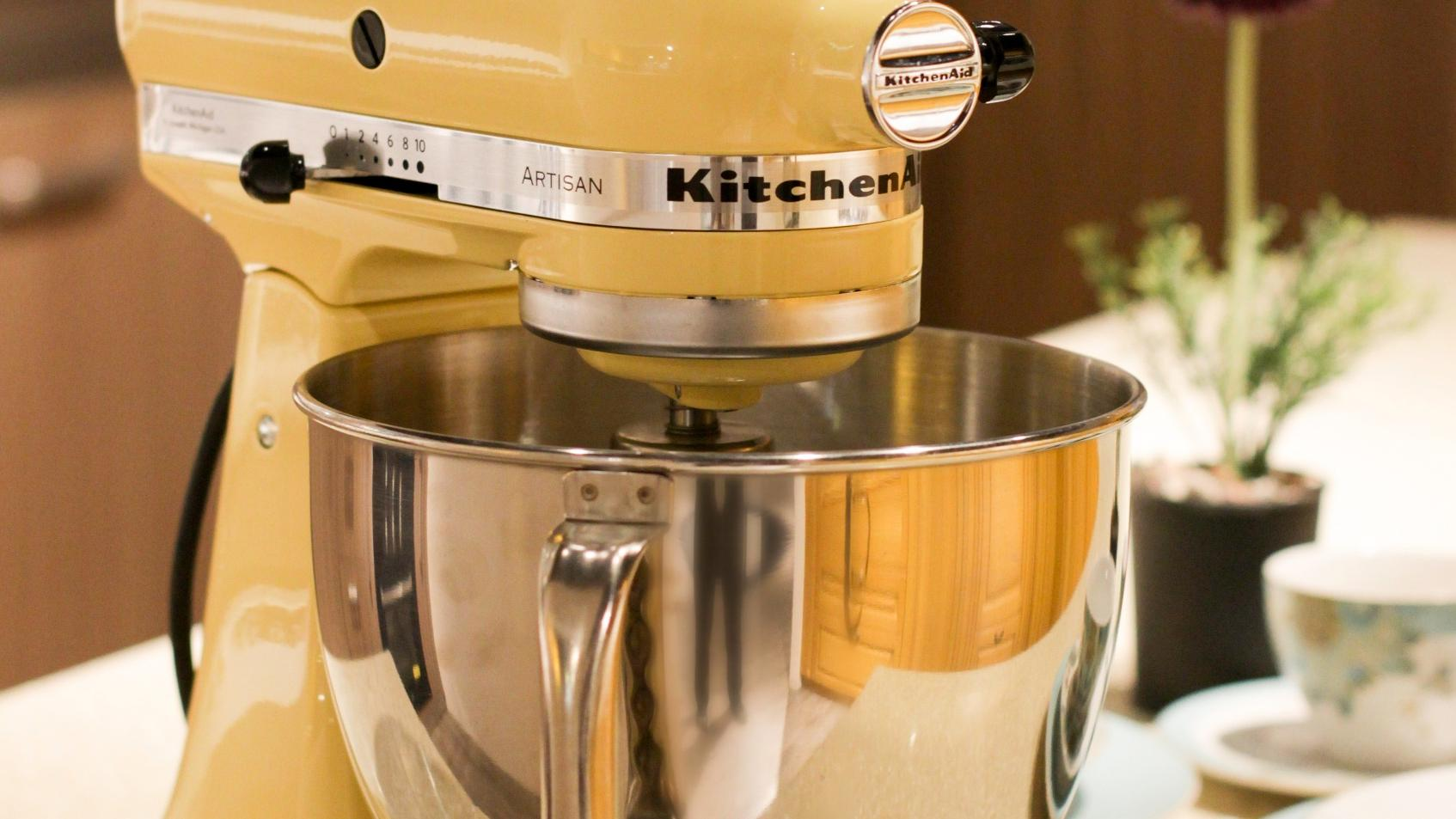Die KitchenAid Küchenmaschine gibt es in vielen Farben.