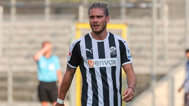 Rurik Gislason 2018 als Profi-Fußballer im Trikot des SV Sandhausen