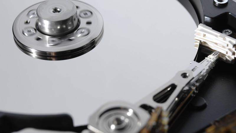 Heutzutage kommen in PC's und Laptops oftmals SSD-Festplatten oder Flash Speicher anstelle der klassischen HDD's zum Einsatz.