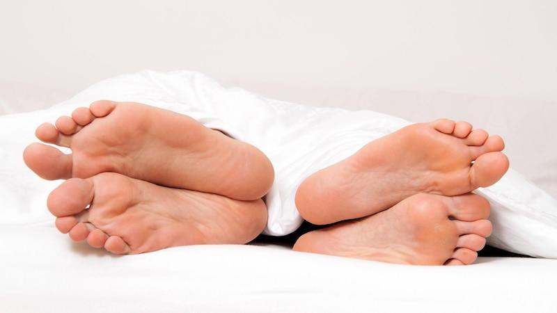 Schlafpositionen der Paare: Überblick & Bedeutungen