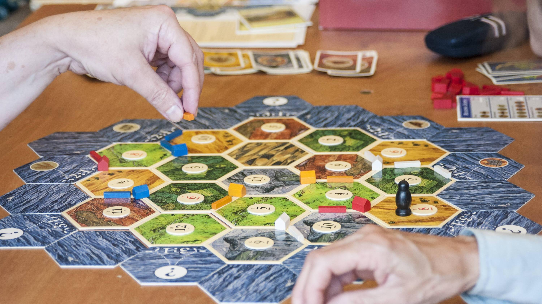 Siedler von Catan Städte & Ritter - das beinhaltet die Spiel-Erweiterung