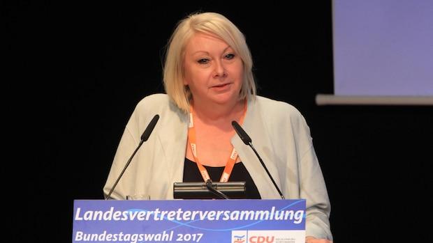 Die CDU-Bundestagsabgeordnete Karin Strenz, die wegen Lobbyismus für das autoritäre Regime in Aserbaidschan in Kritik geraten war, ist tot.