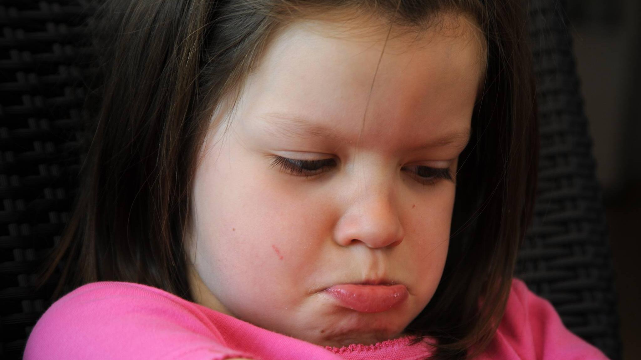 Manchmal sucht Ihr Kind Aufmerksamkeit durch negatives Verhalten.
