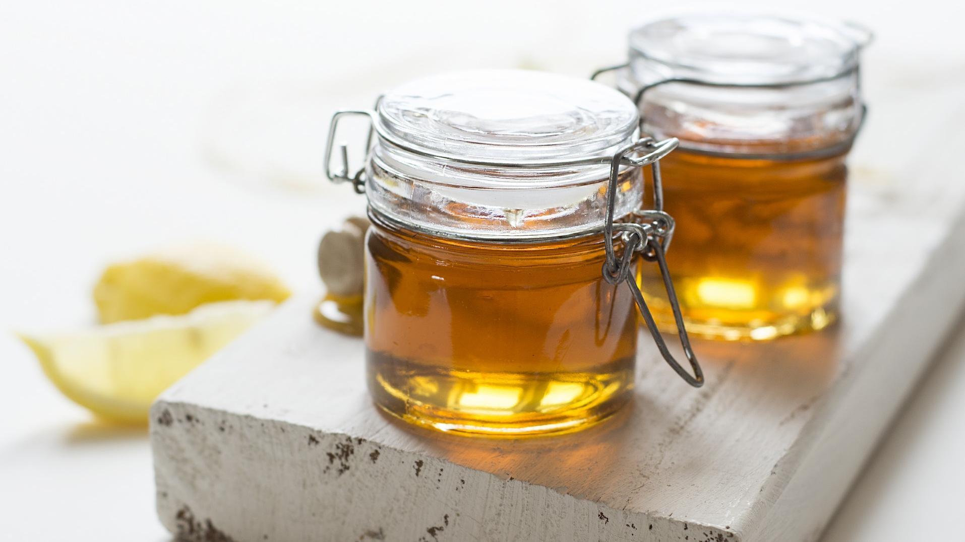 Knoblauch können Sie zum Beispiel in Honig fermentieren