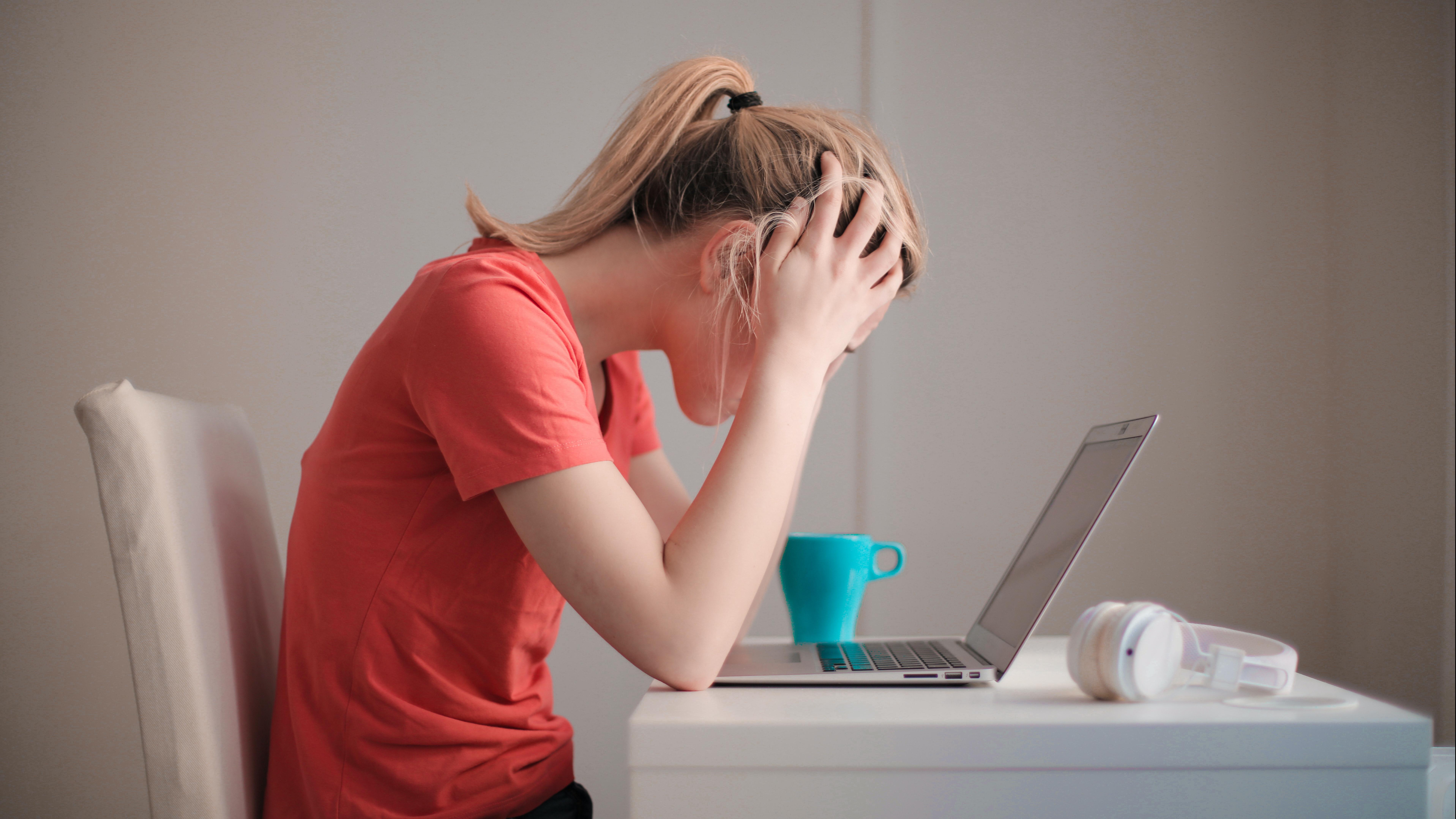 Wenn Sie lernen, gesund zu sitzen, können Sie sich viele Schmerzen ersparen.
