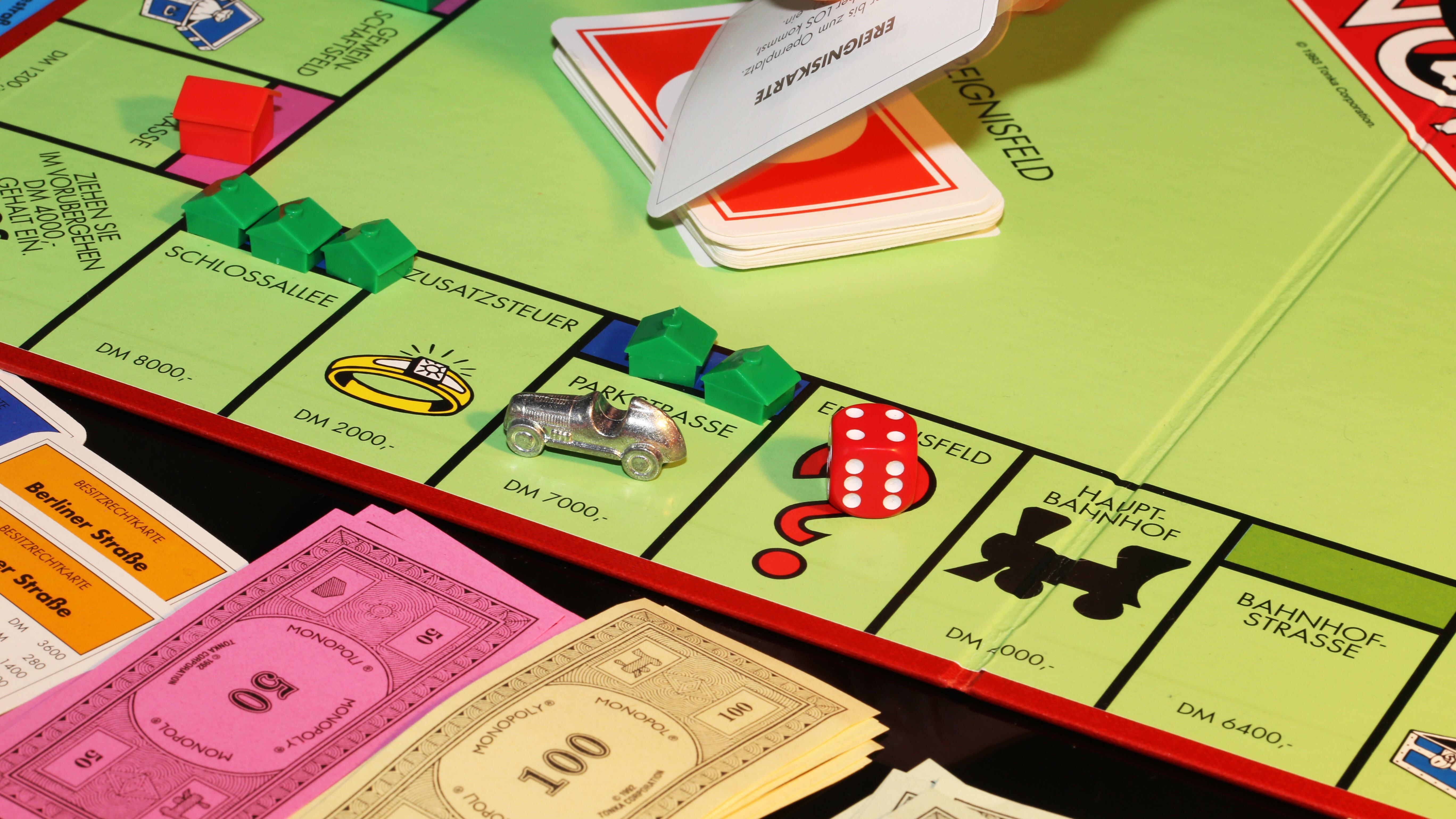 Bei Monopoly erhalten Sie weiterhin Mieteinnahmen, auch wenn Sie im Gefängnis sind.
