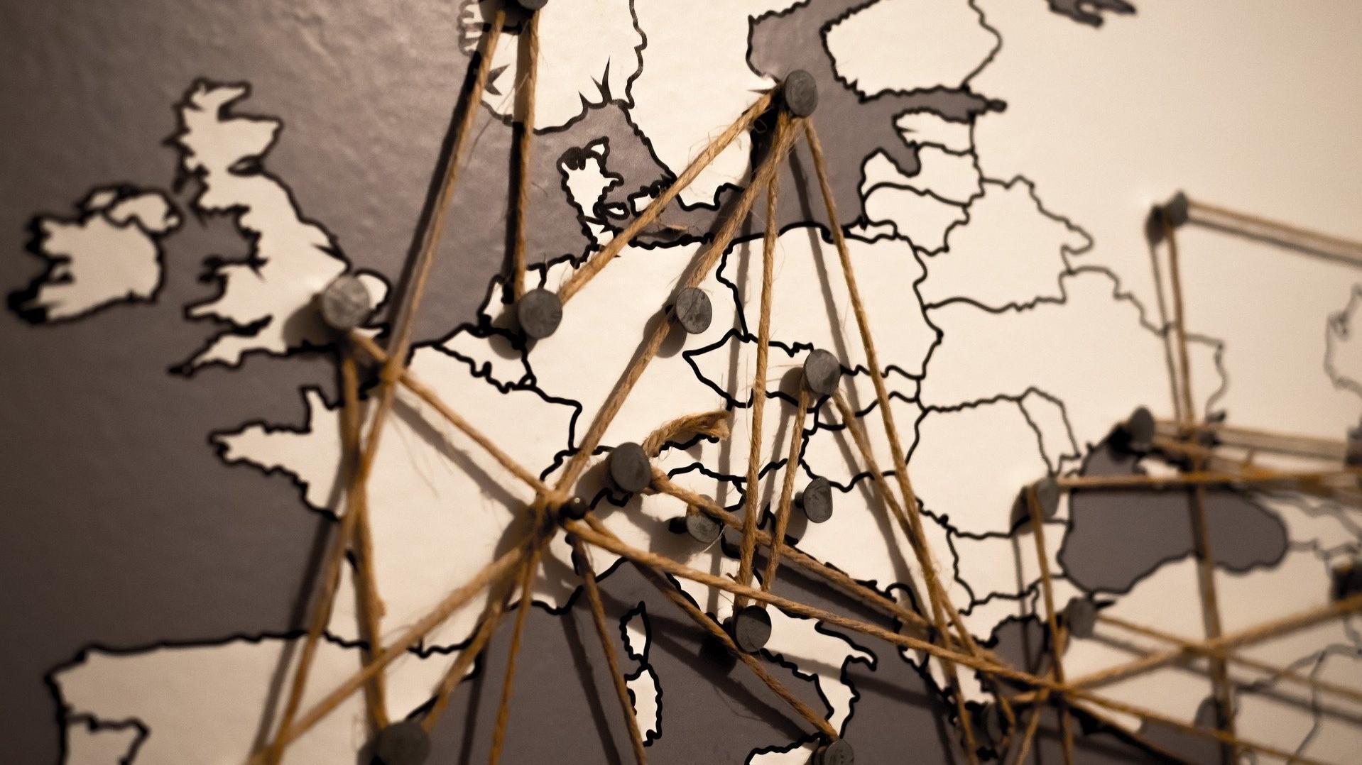 Zu Europa zählen etwa 50 Länder und ihre Hauptstädte.