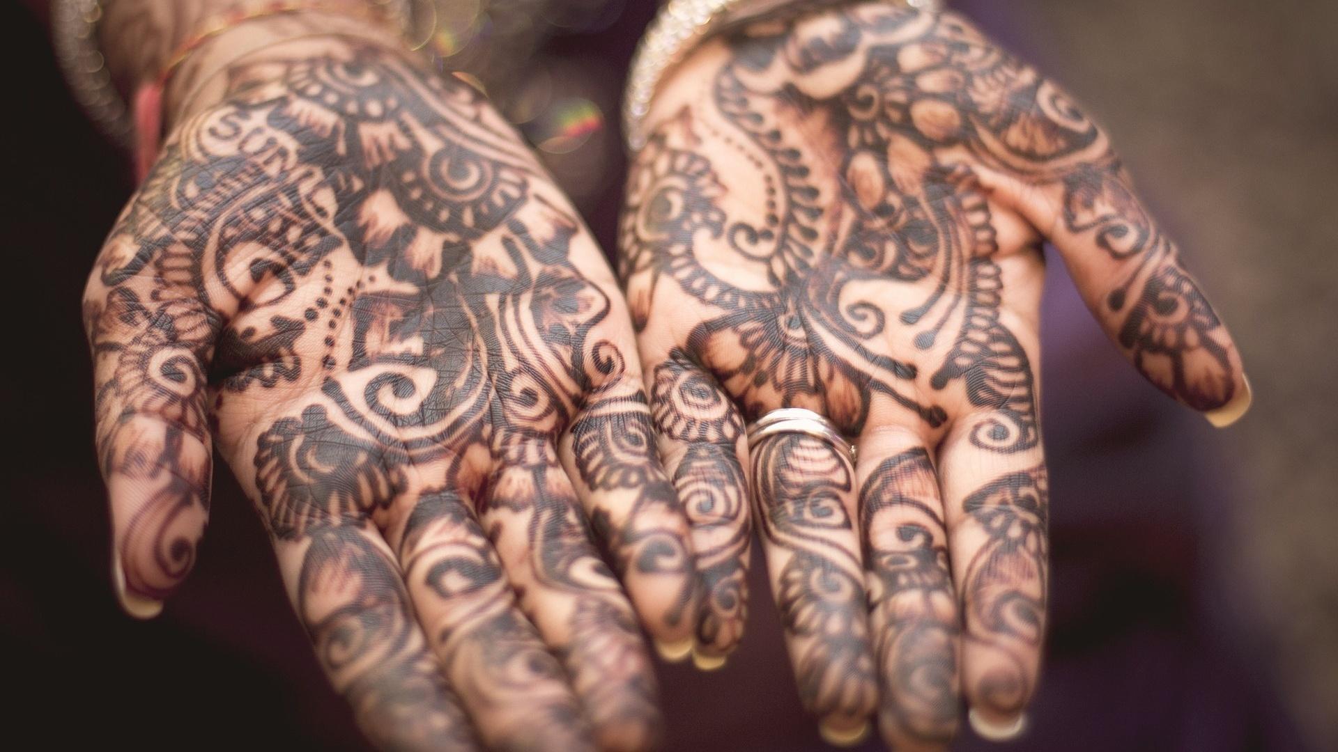 Henna entfernen: So wird ihre Haut wieder rein
