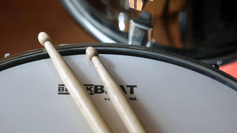 Beim Aufbau eines Schlagzeuges nimmt die Snare eine herausragende Position ein.