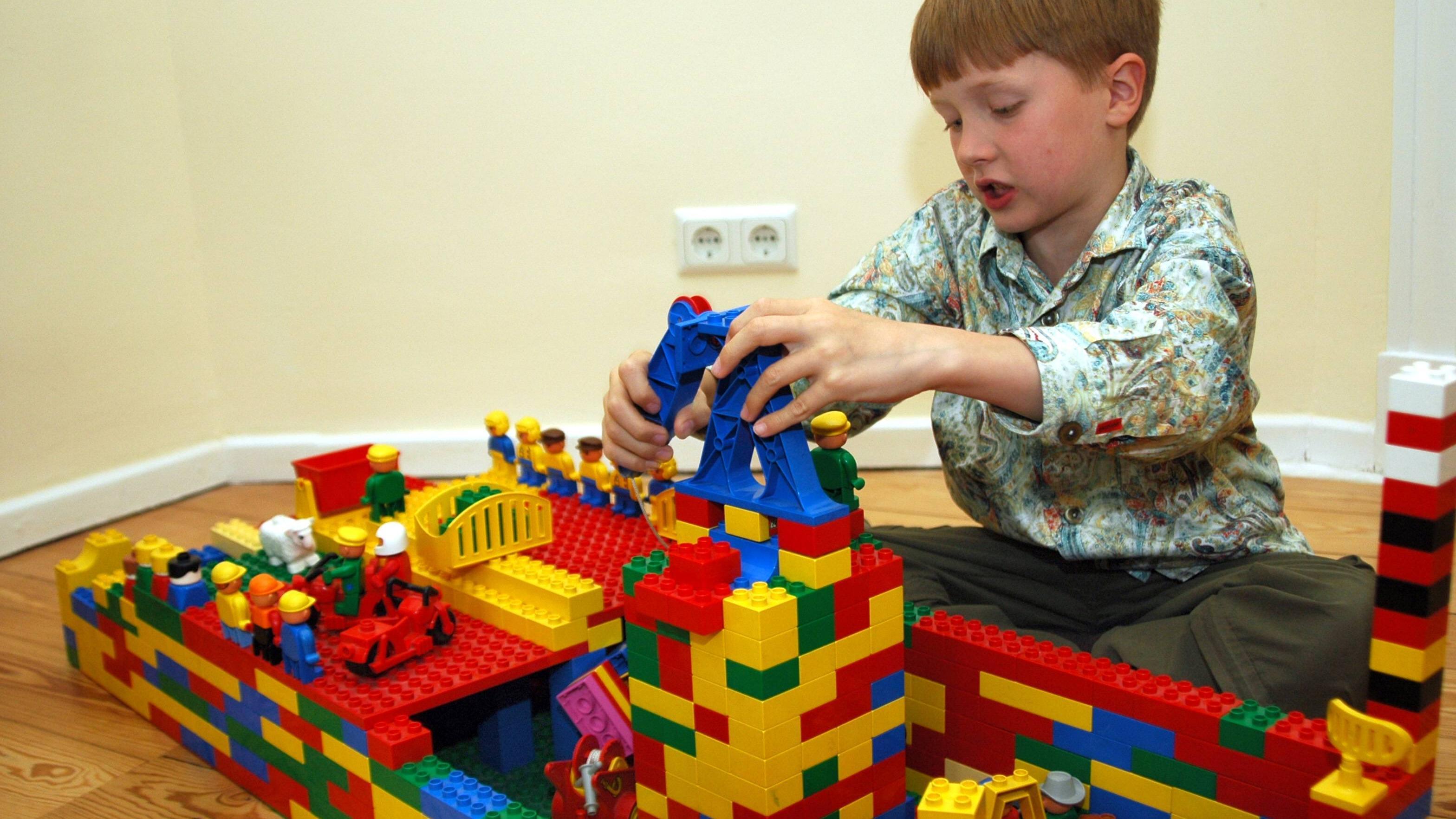 Die Klemmbausteine von Wange und Lego sind kompatibel