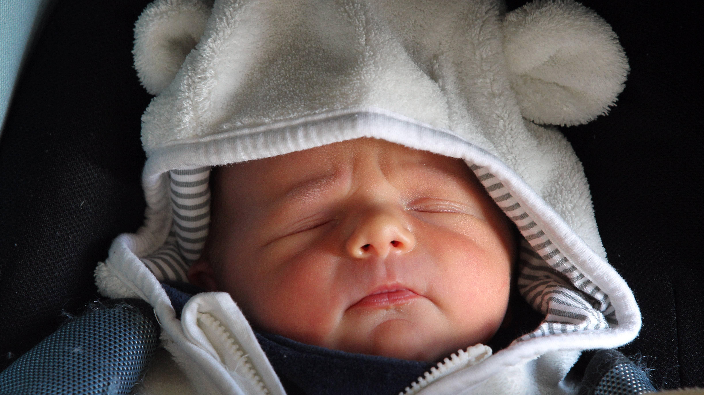 Autofahren mit Baby: Darauf sollten Sie achten